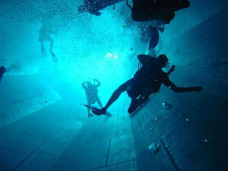 The Deepest Diving Pool in the World 4