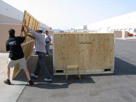 Unpacking New Lamborghini Reventon 3