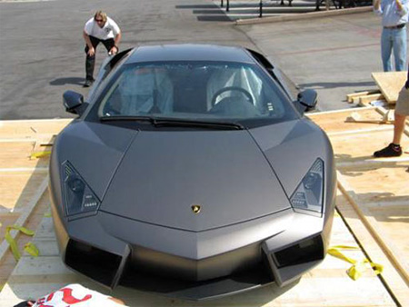 Unpacking New Lamborghini Reventon 9