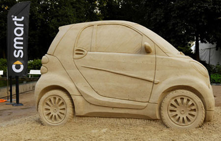 Creative Smart Car Sand Sculpture 2