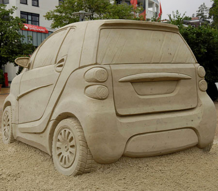 Creative Smart Car Sand Sculpture 4