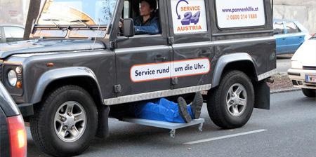 Service 24 Austria Advertisement