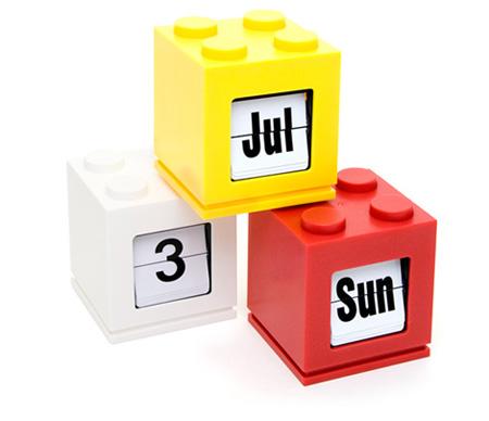 LEGO Inspired Desktop Calendar 4