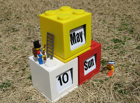 LEGO Inspired Desktop Calendar 6