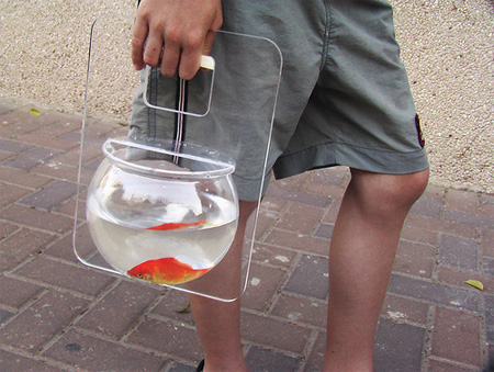 Portable Fishbowl by Michal Shabtiali 5