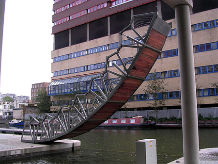 Incredible Rolling Bridge in London 5