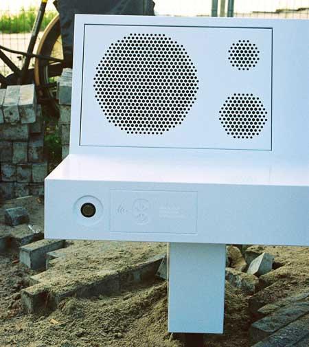 Boombench Plays Music via Bluetooth 5