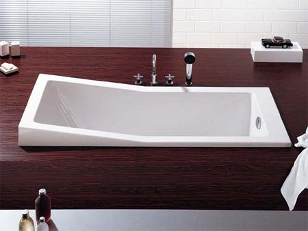 Foster Bathtub