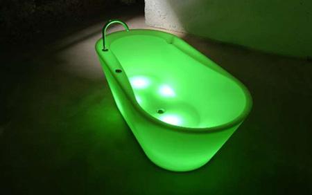 LTT Illuminated Bathtub