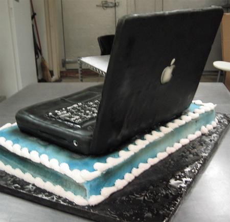 Laptop Cake 2