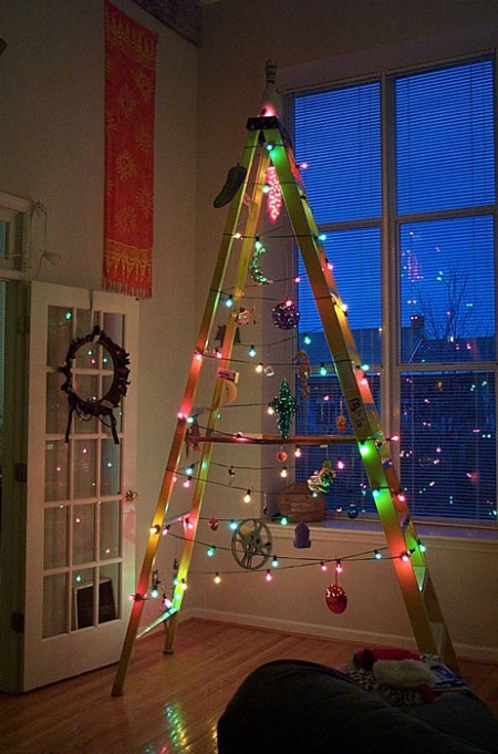 String Christmas Lights Right Up Our Last Minute Alley We Can Tack Them To The Wall Or Spiral Around A Modernist Lamp Improvising Bit Of