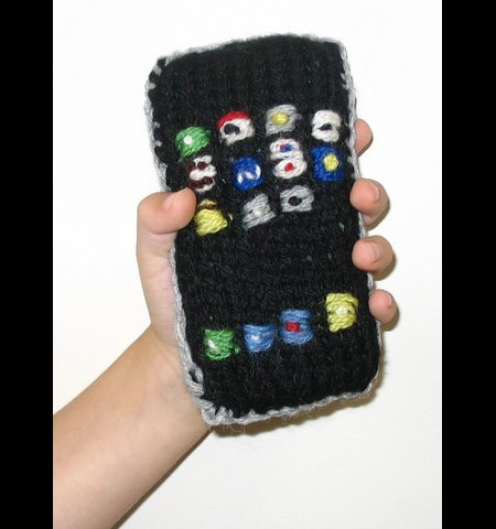 Knitted iPhone