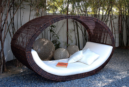 Sampon Daybed Outdoor Bed