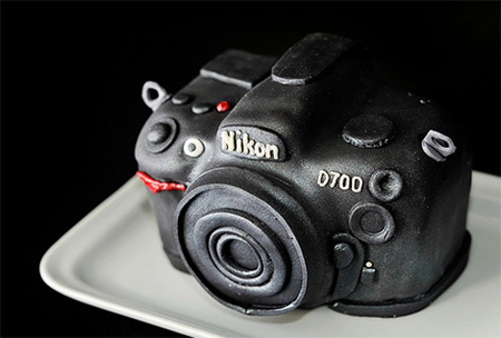 Incredible Nikon D700 DSLR Cake 4