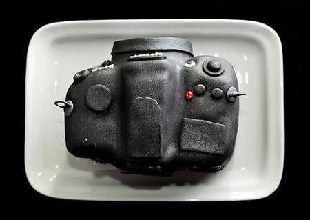 Incredible Nikon D700 DSLR Cake 5