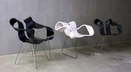 Toeloop Chair by Mario Stadelmann