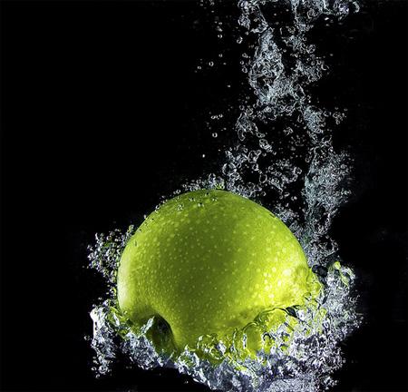 Apple Deep Splash by Starmag