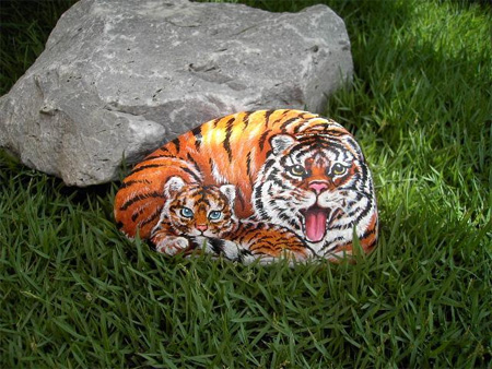 Stone Paintings by Suzi Chua 9
