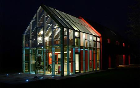 Innovative Sliding House by dRMM