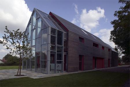 Innovative Sliding House by dRMM 5