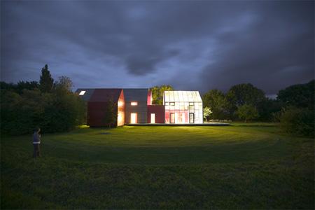 Innovative Sliding House by dRMM 7