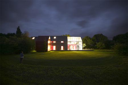 Innovative Sliding House by dRMM 8