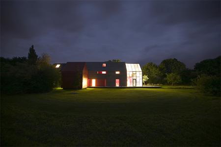 Innovative Sliding House by dRMM 9