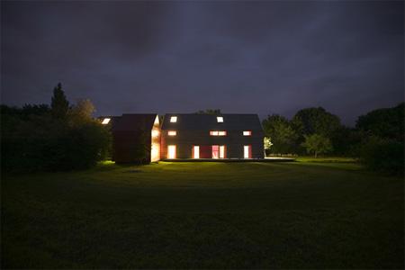 Innovative Sliding House by dRMM 10