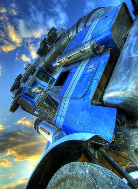 Big Rig Jig Giant Truck Sculpture 4