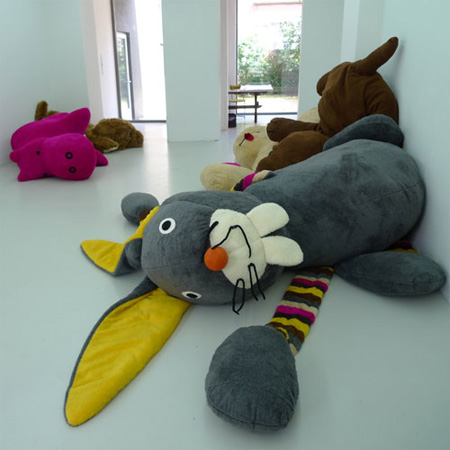 Giant Toys and Stuffed Animals 8