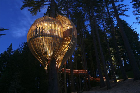 Yellow Treehouse Restaurant