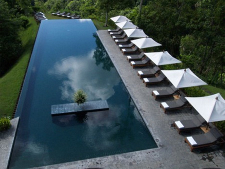 infinity swimming pool - Crazy Swimming Pools