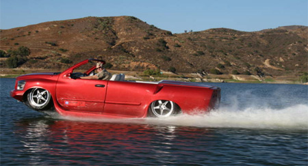 Amphibious Car Drives on Water