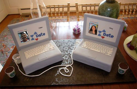 Internet Dating Wedding Cake