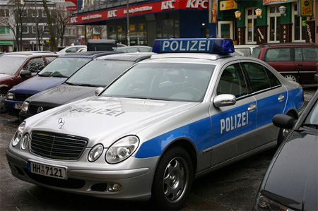 Police  Photo on Mercedes Benz E Class Police Car Spotted In Hamburg Germany