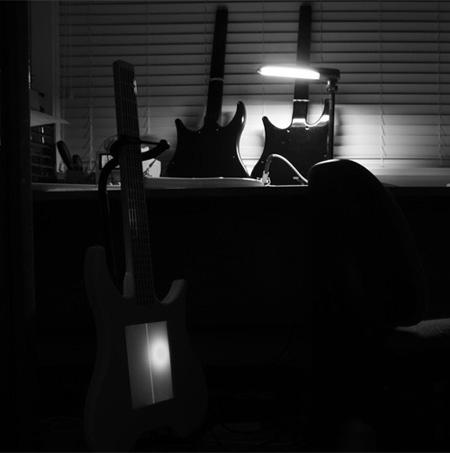 Misa Touchscreen Digital Guitar