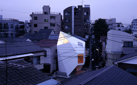 Compact House in Tokyo