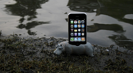 Hippo iPhone Dock