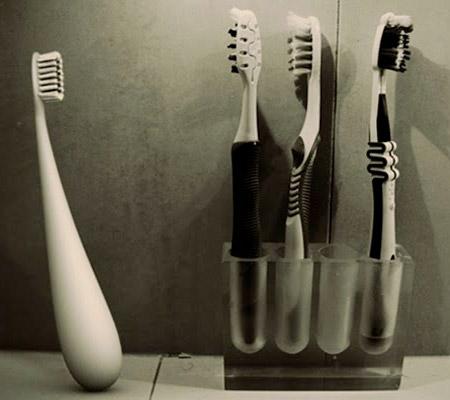 DEWS Toothbrush
