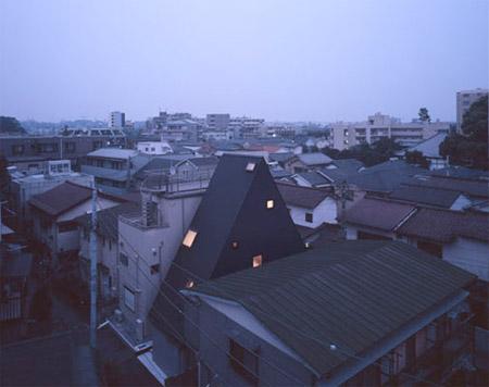 Triangle House by Ryoichi Kojima