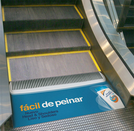 Head & Shoulders Escalator Comb