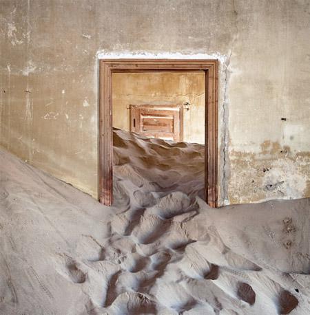 Abandoned House in the Desert