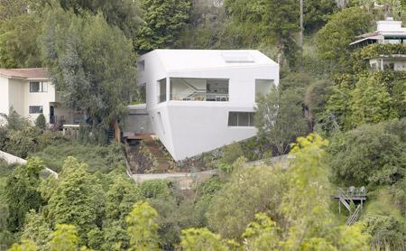 Modern Hill House in LA