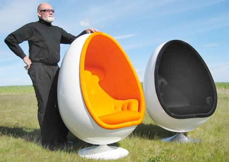 Ovalia Egg Chair