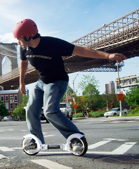 Skateboard with Hubless Wheels