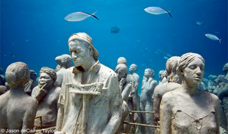 Underwater Crowd