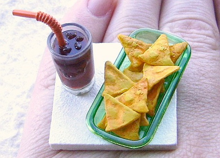 Cola and Chips Ring