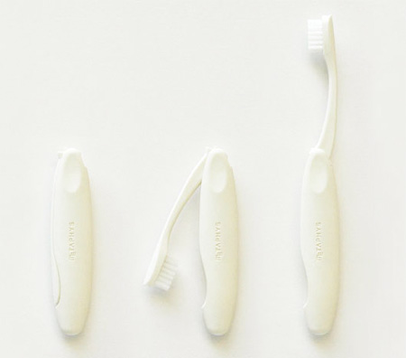 Folding Toothbrush