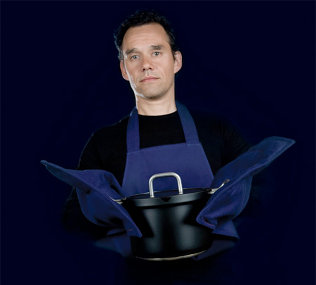 Apron with built-in Oven Mitts