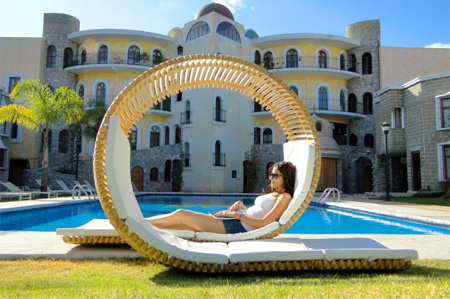 Loopita Chaise Lounge